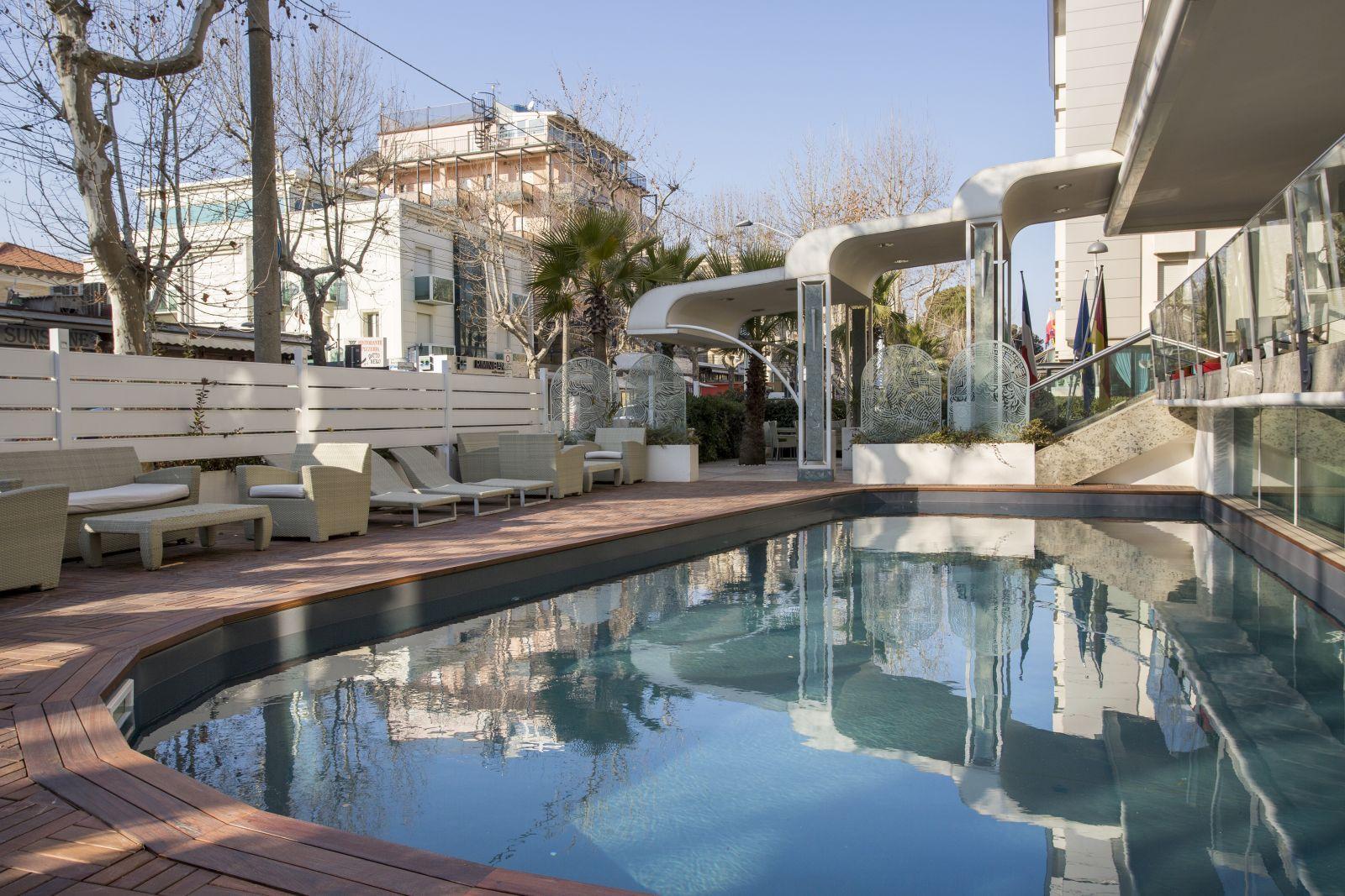 Piscina Maison B Hotel by Hotel Patrizia & Residenza