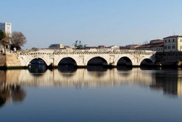 Ponte di Tiberio - Rimini - Maison B Hotel